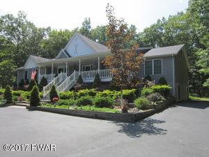 153 Robin Way, Lackawaxen, PA 18435