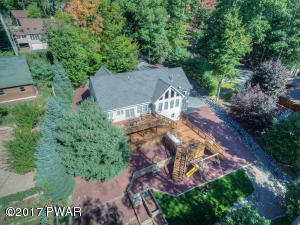 315 Hickory Dr, Lakeville, PA 18438
