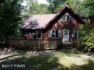 126 Wintergreen Cir, Greentown, PA 18426
