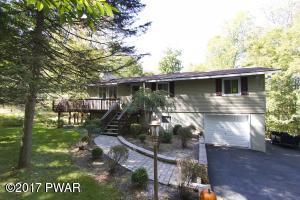120 Wintergreen Cir, Greentown, PA 18426