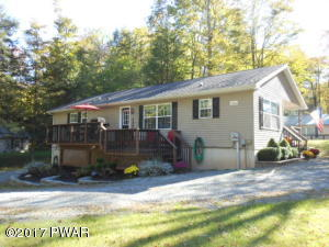 115 Hillcrest Dr, Greentown, PA 18426