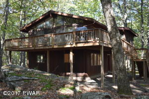 803 Canoebrook Ct W, Lords Valley, PA 18428