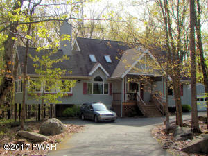 102 Widgeon Ln, Lords Valley, PA 18428