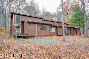122 A & B Twin Rivers Rd, Lackawaxen, PA 18435