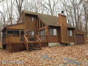 119 Falling Brook Way, Hawley, PA 18428