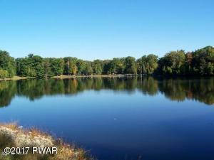 1031 Cloudcrest, Greentown, PA 18426