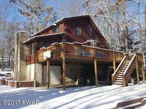 252 Fawn Lake Dr, Hawley, PA 18428