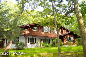 501 Forest Dr, Hawley, PA 18428