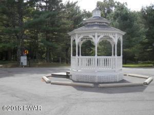 102 - 110 Glen Combe Cir, Milford, PA 18337
