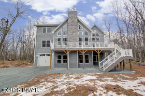 545 Firelight Ln, Lackawaxen, PA 18435