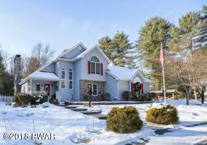 50 Holiday Dr, Hawley, PA 18428