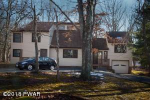 804 Gaskin Ct, Hawley, PA 18428