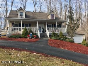 102 COLONIAL Ln, Greentown, PA 18426