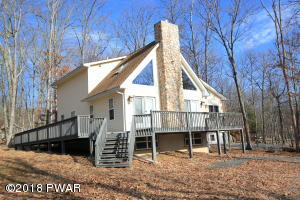 121 Constitution Dr, Lackawaxen, PA 18435