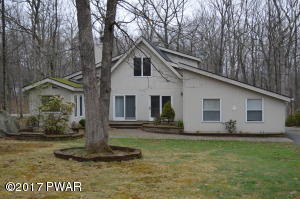 806 Tanager Ct, Lords Valley, PA 18428