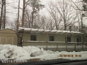 105 Franklin Dr, Lords Valley, PA 18428