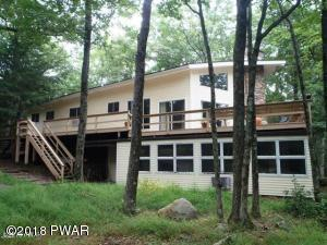 812 Osprey Ct, Lords Valley, PA 18428