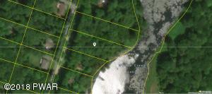 109 Lakeside Dr, Greentown, PA 18426