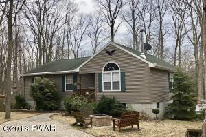 22 Berry Ln, Lakeville, PA 18438