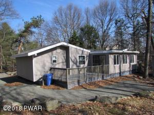 121 Granite Dr, Lords Valley, PA 18428
