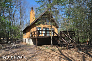 199 Indian Dr, Greentown, PA 18426