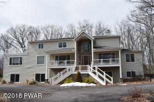 801 Overlook Ct, Lords Valley, PA 18428
