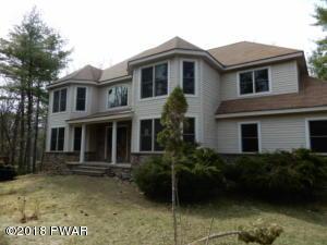 102 Eastwood Cir, Hawley, PA 18428