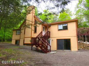 210 Hillside Dr, Greentown, PA 18426