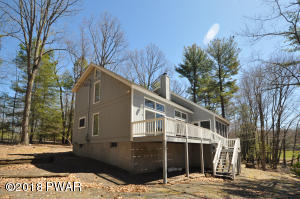 159 Cloud Crest Dr, Greentown, PA 18426
