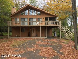 2726 Pebble Ct, Lake Ariel, PA 18436