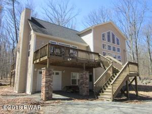 208 Powderhorn Dr, Lackawaxen, PA 18435