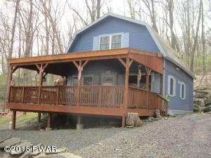 126 Lower Independence Dr, Lackawaxen, PA 18435