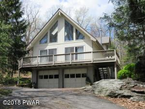 208 Rodeo Dr, Lords Valley, PA 18428