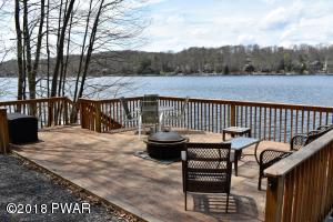 2025 Roamingwood Rd, Lake Ariel, PA 18436