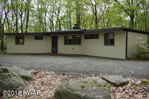 802 Aspen Court, Lords Valley, PA 18428