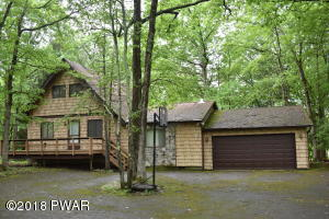 125 Buckboard Ln, Lords Valley, PA 18428