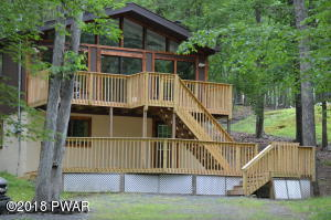 235 Forest Ridge Dr, Hawley, PA 18428