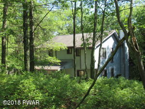 145 Remuda Dr, Lords Valley, PA 18428