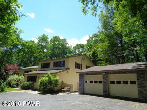 106 Harrier Ct, Milford, PA 18337