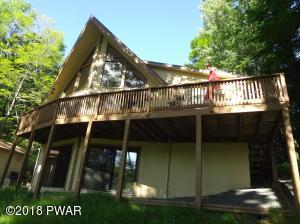 104 Briarwood Drive, Greentown, PA 18426