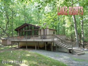 108 Oak Ridge Ct, Hawley, PA 18428