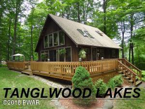105 Pine Ln, Greentown, PA 18426