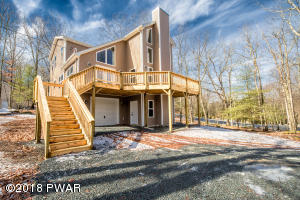 142 Constitution Dr, Lackawaxen, PA 18435