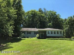 346 Greeley Lake Rd, Greeley, PA 18425