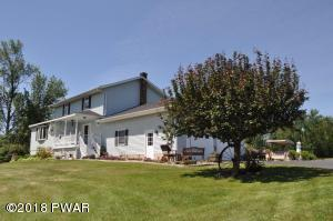 15 Avery Dr, Beach Lake, PA 18405