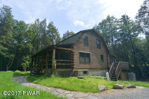 113 Old Schoolhouse Rd, Milford, PA 18337