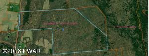 1035 Creamton Dr, Honesdale, PA 18431