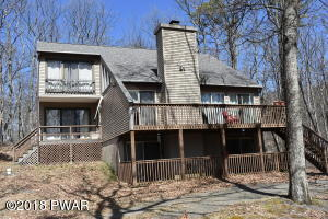 102 Granite Dr, Lords Valley, PA 18428