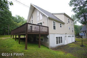 142 Laurel Rd, Lackawaxen, PA 18435