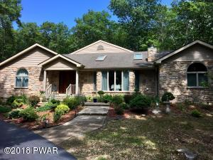 819 Hillview Pl, Hawley, PA 18428